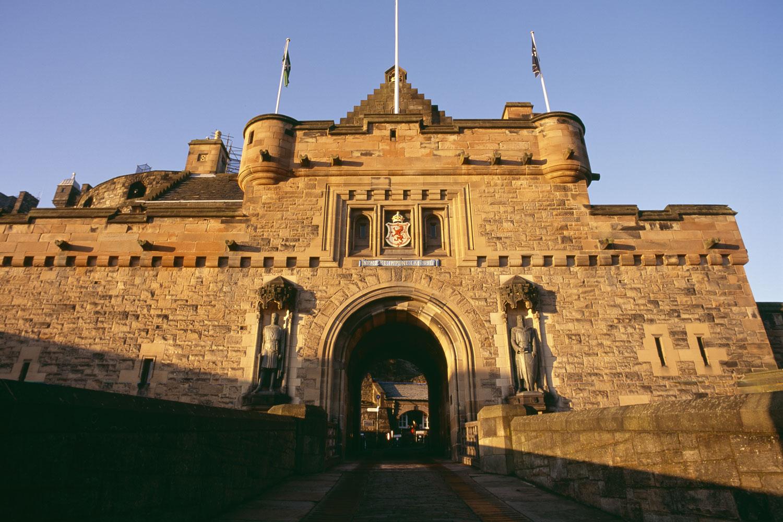 exterior-of-edinburgh-castl
